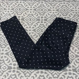 Size 6 Black and White Old Navy High Waisted Pants